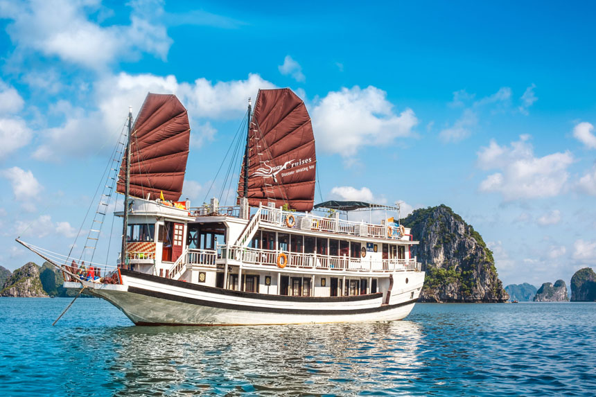 Halong Bay 2Days 1 Night- Swan Cruise***